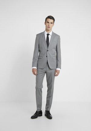 ARTI HESTEN - Oblek - open grey