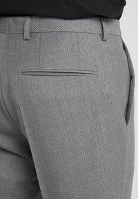 HUGO - AUGUST HIGGINS - Oblek - open grey - 6