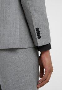 HUGO - AUGUST HIGGINS - Oblek - open grey - 7