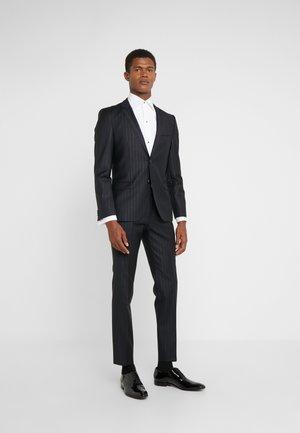 ARTI HESTEN - Suit - black