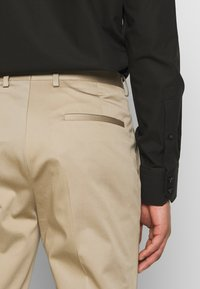 HUGO - ADD ON ASTIAN/HETS - Kostym - medium beige - 7