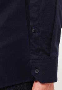HUGO - ELISHA EXTRA SLIM FIT - Koszula biznesowa - open blue - 3