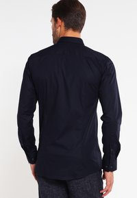 HUGO - ELISHA EXTRA SLIM FIT - Koszula biznesowa - open blue - 2