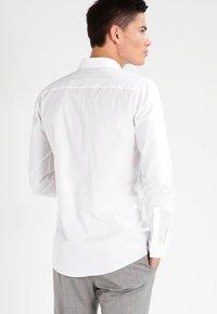 HUGO - ERONDO EXTRA SLIM FIT - Camicia elegante - open white - 2