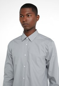 HUGO - ELISHA EXTRA SLIM FIT - Camisa elegante - open grey - 4
