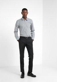HUGO - ELISHA EXTRA SLIM FIT - Camisa elegante - open grey - 1