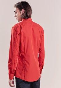 HUGO - ELISHA EXTRA SLIM FIT - Camisa elegante - red - 2