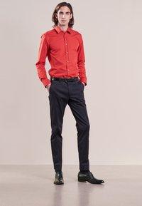 HUGO - ELISHA EXTRA SLIM FIT - Camisa elegante - red - 1