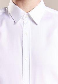 HUGO - ELISHA SLIM FIT - Formální košile - white - 3