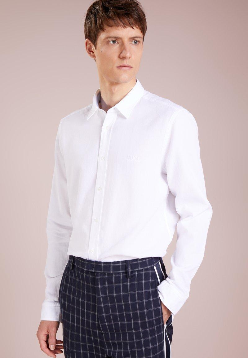 HUGO - EVORY - Košile - white