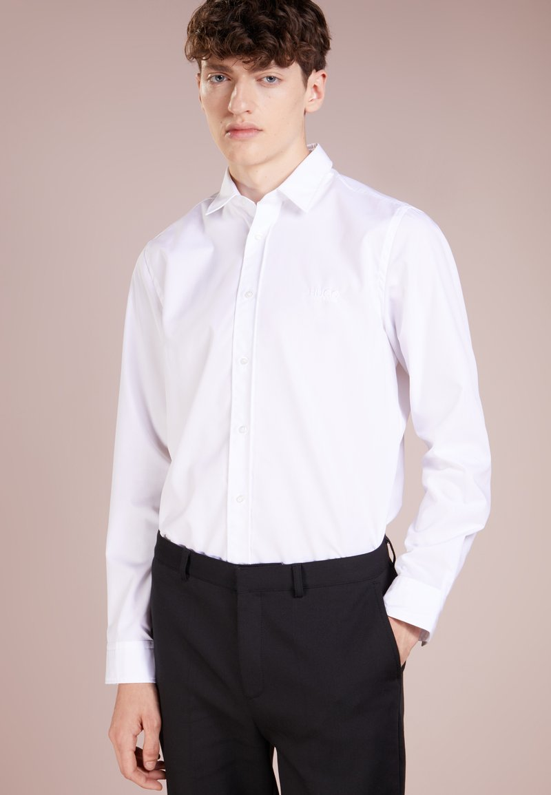 HUGO - EVORY LOGO STRAIGHT FIT - Businesshemd - open white