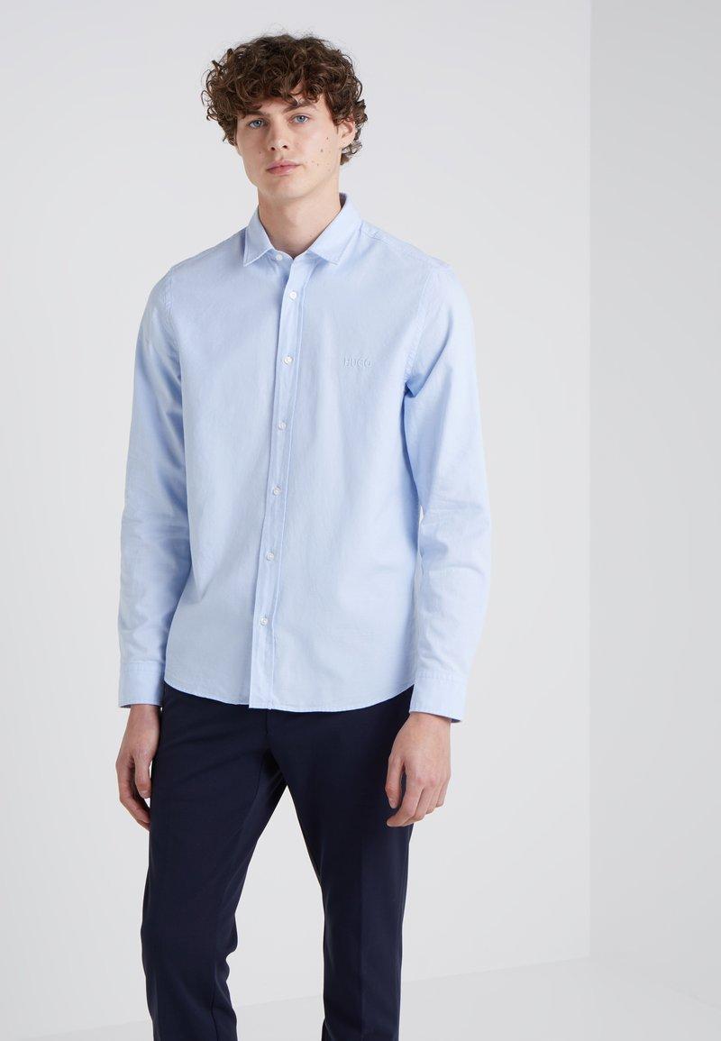 HUGO - EVORY LOGO STRAIGHT FIT - Hemd - light pastel blue