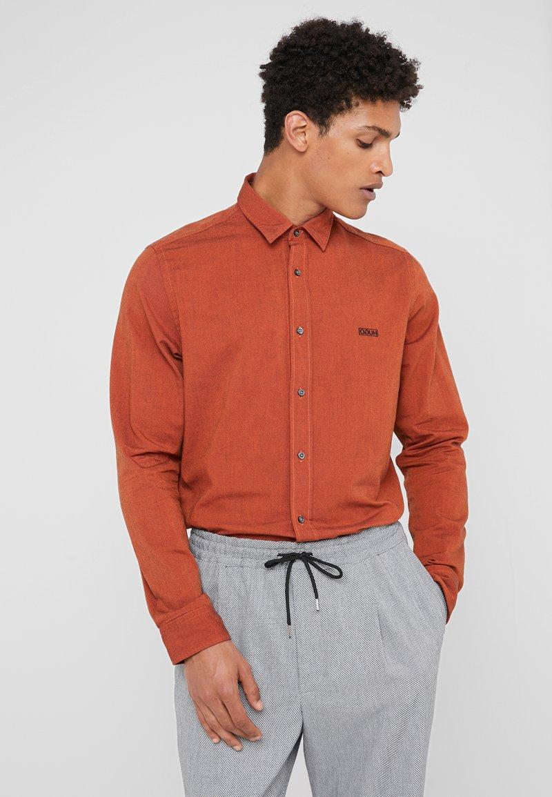 HUGO - EVART - Shirt - dark orange