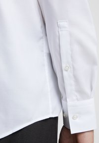 HUGO - KASON - Formal shirt - open white - 5