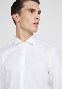 HUGO - KASON - Formal shirt - open white - 3