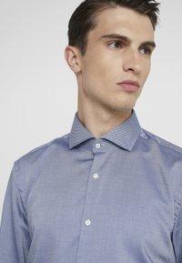 HUGO - KASON - Formal shirt - navy - 3
