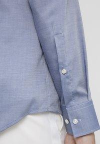 HUGO - KASON - Formal shirt - navy - 5