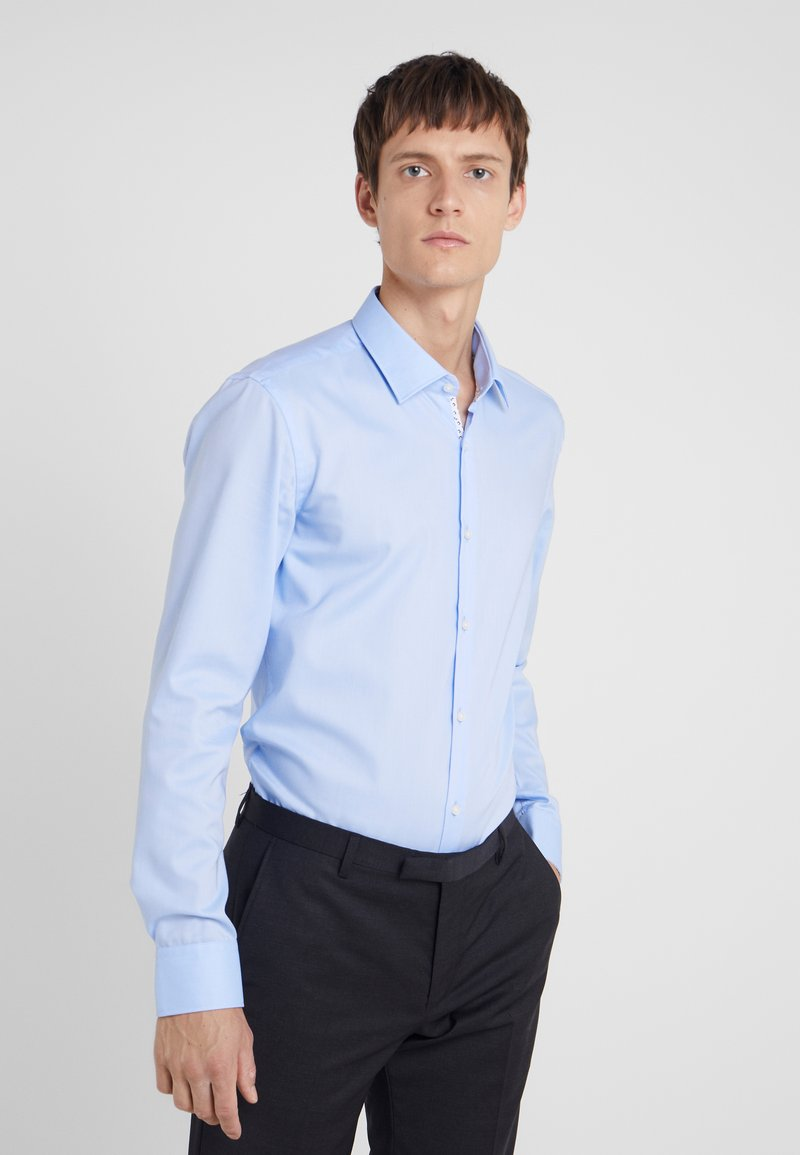 HUGO - KOEY SLIM FIT - Camisa elegante - light blue