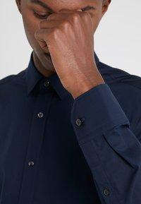 HUGO - ELISHA - Formal shirt - navy - 3