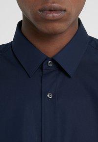 HUGO - ELISHA - Formal shirt - navy - 5