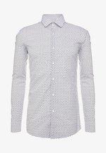 KENNO SLIM FIT - Formální košile - black/white