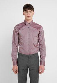 HUGO - ELISHA EXTRA SLIM FIT - Koszula biznesowa - dark red - 0
