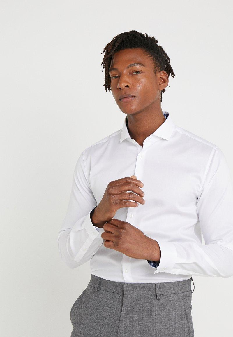 HUGO - ERRIK SLIM FIT - Camicia elegante - open white