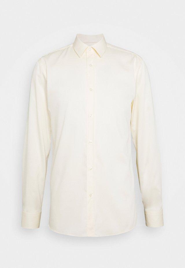 ELISHA - Camisa elegante - pastel yellow