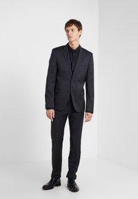 HUGO - ERO EXTRA SLIM FIT - Camisa elegante - black - 1