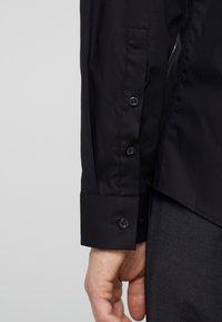 HUGO - ERO EXTRA SLIM FIT - Camisa elegante - black - 5