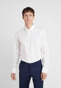 HUGO - VENZO REGULAR FIT  - Formal shirt - natural - 0