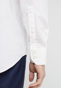 HUGO - VENZO REGULAR FIT  - Formal shirt - natural - 5