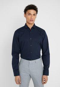 HUGO - ERRIKO EXTRA SLIM FIT - Business skjorter - navy - 0