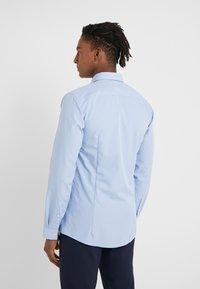 HUGO - ERRIKO EXTRA SLIM FIT - Camisa elegante - light/pastel blue - 2