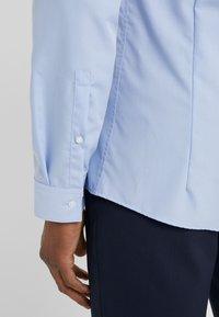 HUGO - ERRIKO EXTRA SLIM FIT - Camisa elegante - light/pastel blue - 5