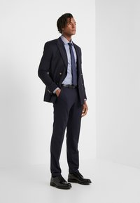 HUGO - KOEY SLIM FIT - Formal shirt - medium blue - 1