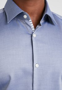 HUGO - KOEY SLIM FIT - Formal shirt - medium blue - 3