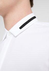 HUGO - ELOY EXTRA SLIM FIT - Camicia - open white - 5