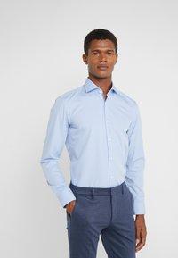 HUGO - KERY SLIM FIT - Finskjorte - light pastel blue - 0