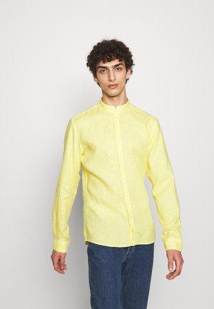 ELVORINI - Shirt - pastel yellow