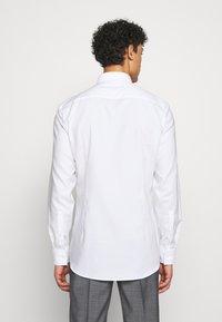 HUGO - KOEY SLIM FIT - Formal shirt - open white - 2