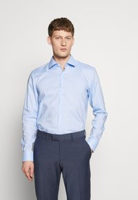 HUGO - KOEY SLIM FIT - Formal shirt - light/pastel blue - 0