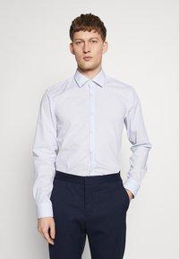 HUGO - KOEY SLIM FIT - Business skjorter - light pastel blue - 0