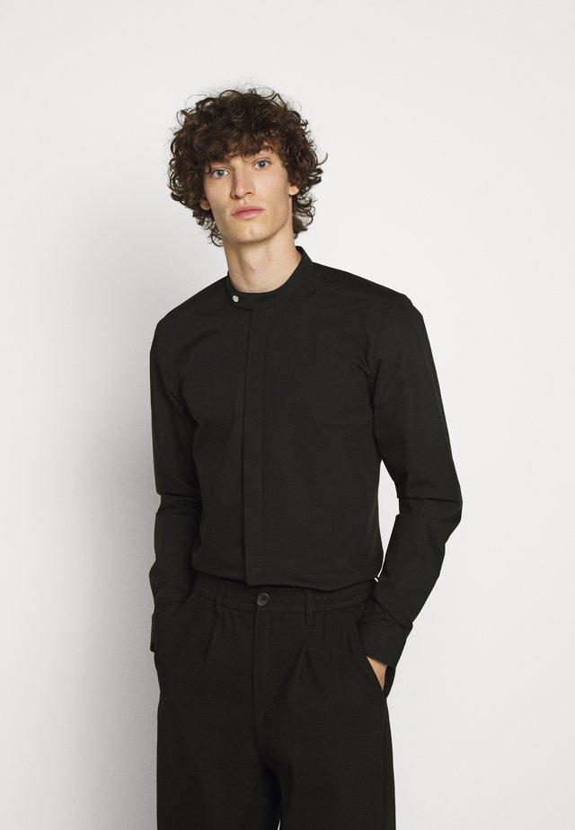 EVERITT - Formal shirt - black