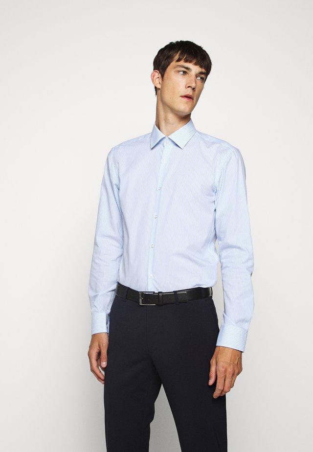 KENNO - Koszula biznesowa - light pastel blue