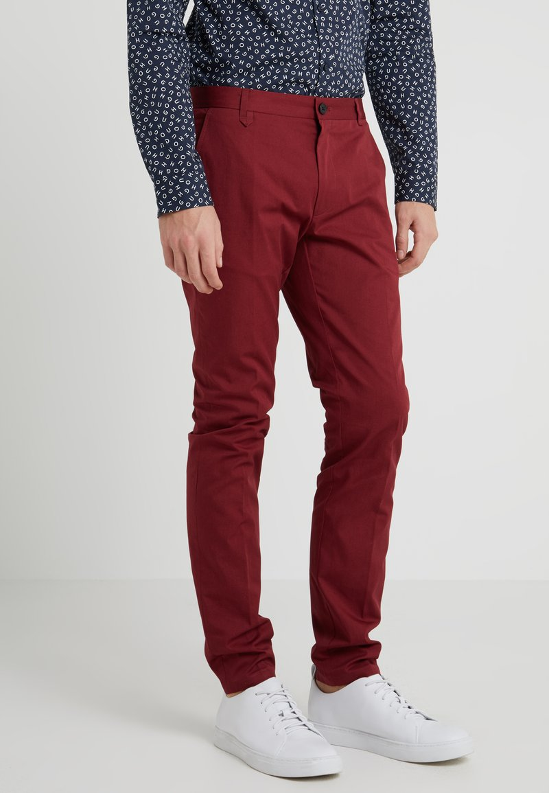 HUGO - HELDOR - Spodnie materiałowe - dark red