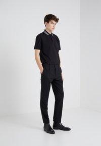 HUGO - GABRIEL - Pantaloni - black - 1