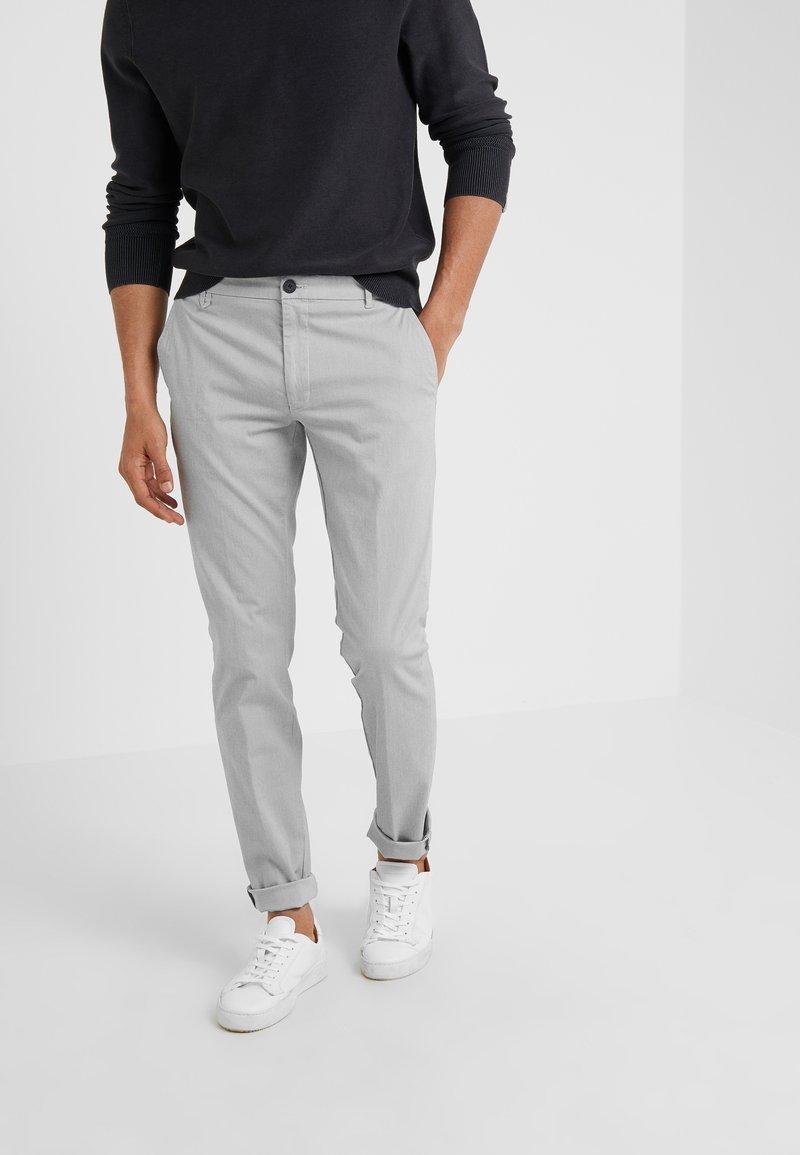 HUGO - HELDOR - Chino - medium grey