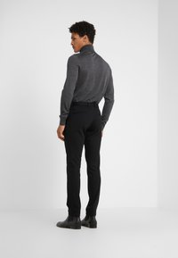 HUGO - HELDOR - Kalhoty - black - 2