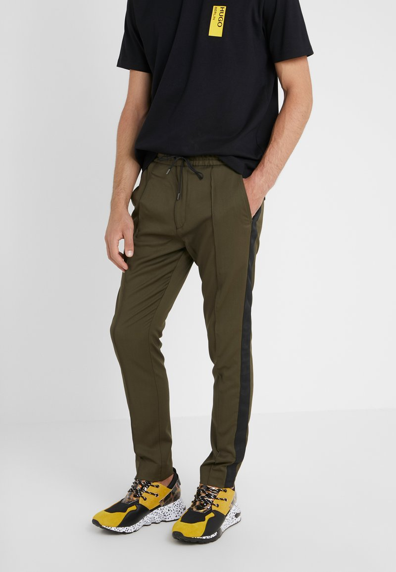 HUGO - ZENNET LIAM PAYNE - Spodnie materiałowe - dark green